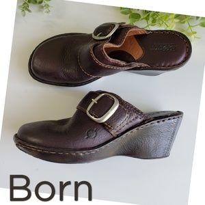BORN leather clogs buckle